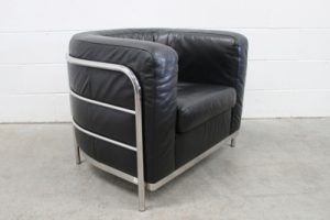 "Rare Impeccable Zanotta ""Onda"" Armchair in Jet Black Leather and Chrome"