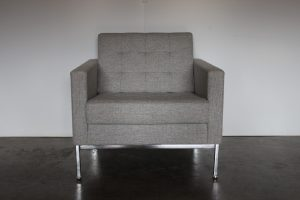 "Immaculate Sublime Knoll Studio ""Florence Knoll"" Lounge Chair Armchair in Grey Wool - 2 Available"