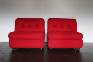 "Superb Rare Pair of 1975 B&B Italia ""Amanta"" Armchairs in Red Fabric"