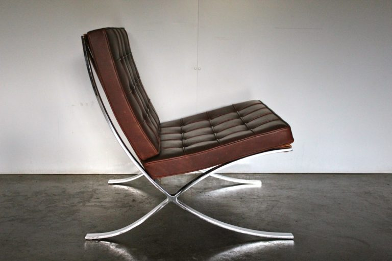 """Exceptional Knoll Studio """"Barcelona"""" Lounge Chair & Ottoman"""" Suite in Brown """"Saddle"""" Leather"""