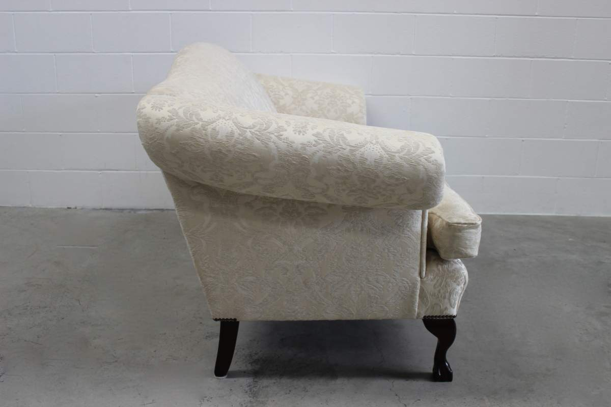 Divine Wesley Barrell Marlborough 3 Seat Sofa In Ivory Damask